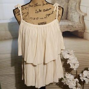 H&M cream accordion style blouse (L)